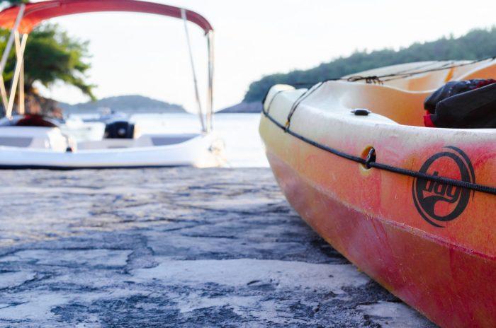kayak korcula jakas grscica 01 700x464