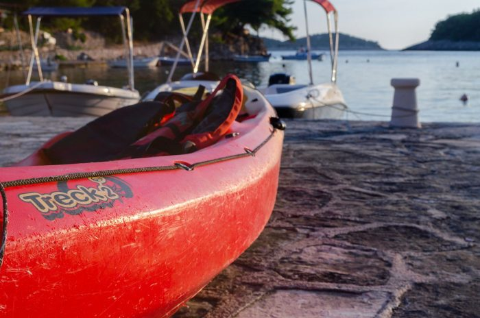 kayak korcula jakas grscica 02 700x464