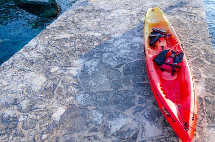 kayak korcula jakas grscica 03 700x464