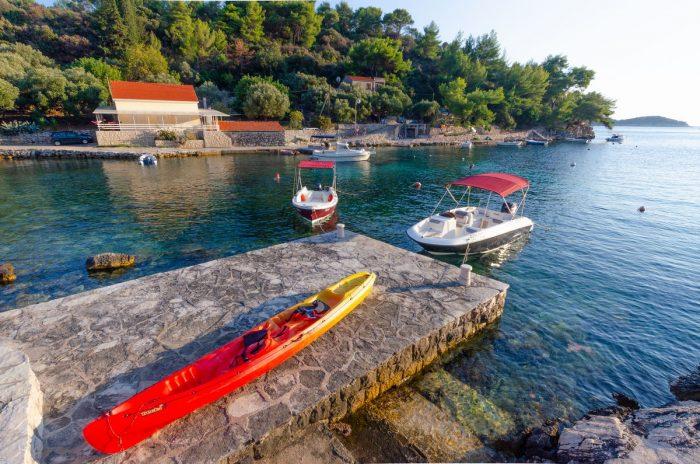 korcula boat rental kayak jakas grscica 01 700x464