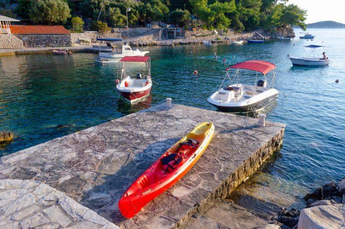 korcula boat rental kayak jakas grscica 02 700x464
