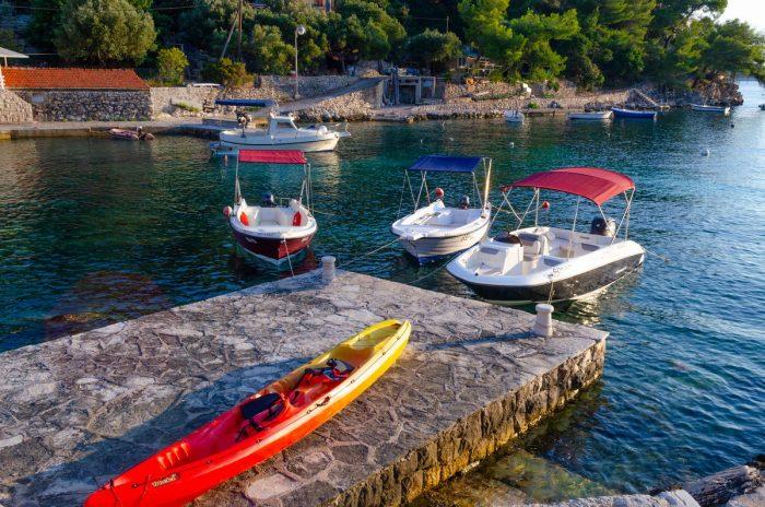 korcula boat rental kayak jakas grscica 03 700x464