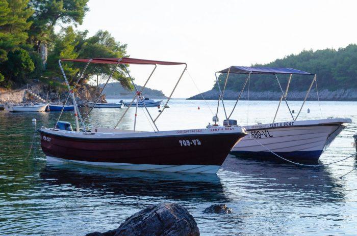 korcula boat rental kayak jakas grscica 10 700x464
