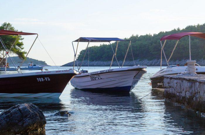 rent a boat korcula jakas grscica 02 700x464