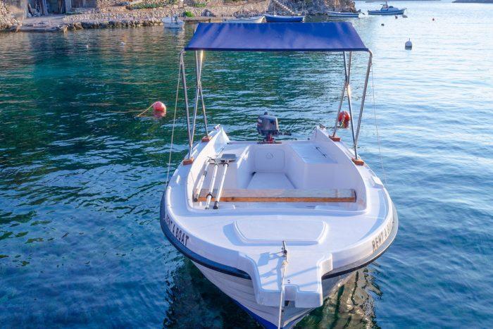 rent a boat korcula jakas grscica 03 700x467