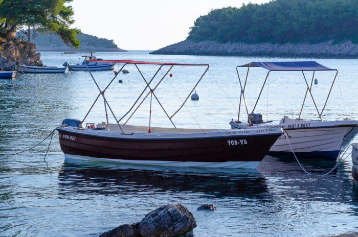 rent a boat korcula jakas grscica 06 700x464