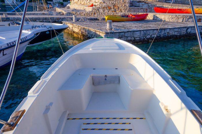 rent a boat korcula jakas grscica 07 700x464