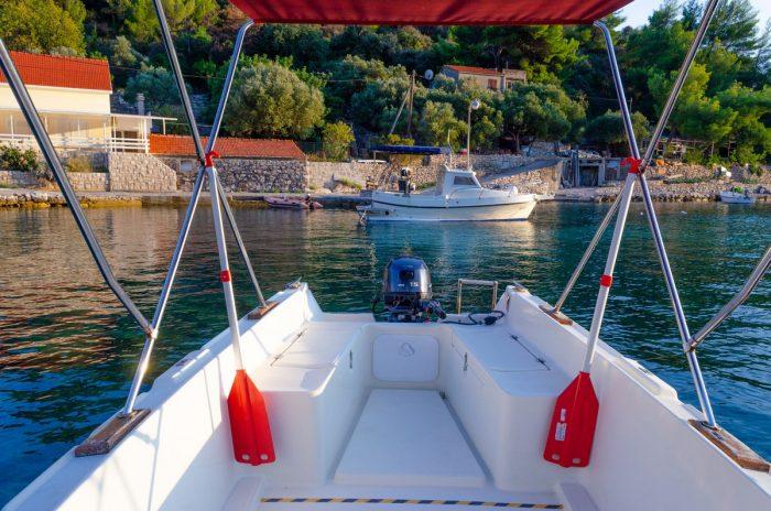 rent a boat korcula jakas grscica 08 700x464