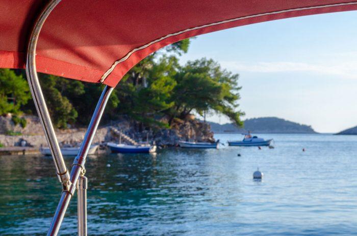 rent a boat korcula speedboat jakas grscica 07 700x464