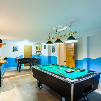 villa-jakas-billiards-table-football-01