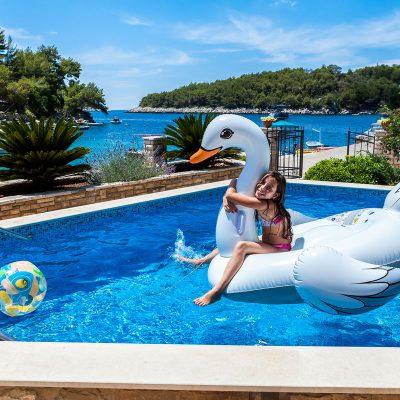 villa korcula jakas pool 03 400x400