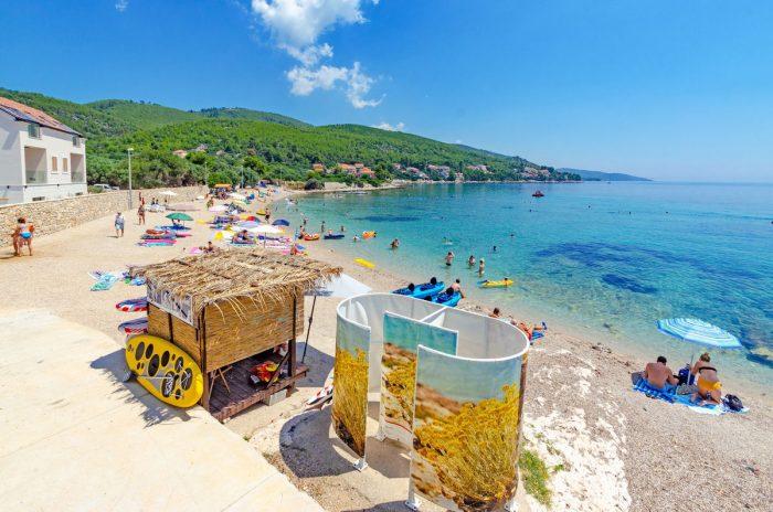 prizba beach jakas 700x464